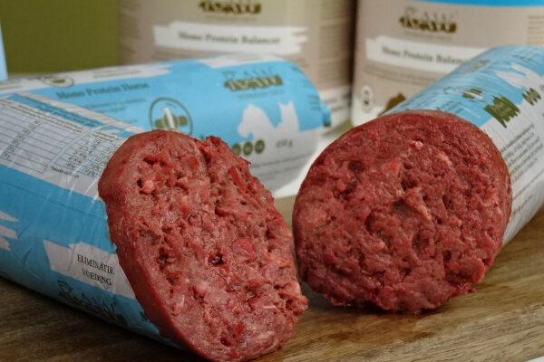 Dierenkliniek Tiel-Drumpt: RAW vers vlees voor de hond.