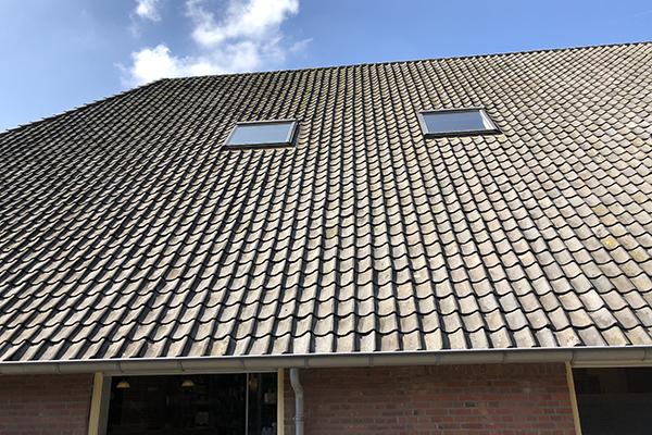 Dierenkliniek Tiel-Drumpt: Het dak gaat worden aangepakt.