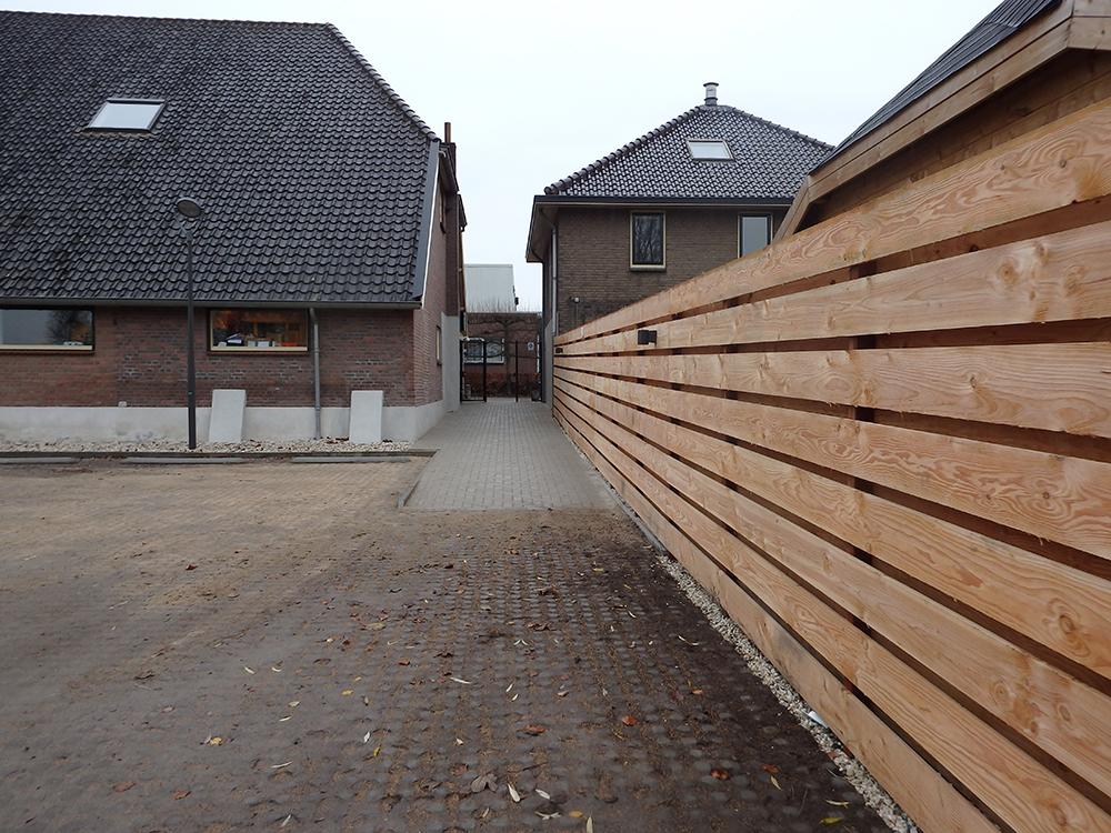 Dierenkliniek Tiel-Drumpt: Je kunt binnendoor naar de ingang van de dierenkliniek in Tiel - Drumpt.