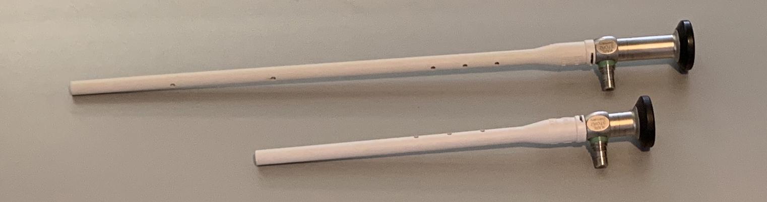 Dierenkliniek Tiel-Drumpt: Laparoscopisch steriliseren van de kleinere hond, van 9 tot 15 kg: Het verschil in formaat van de scopen.