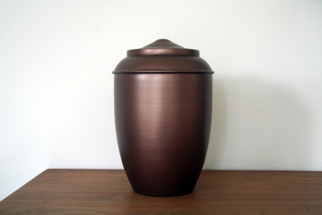 Dierenkliniek Tiel-Drumpt: Een voorbeeld van een urn waarin u het as kunt bewaren van uw overleden huisdier.